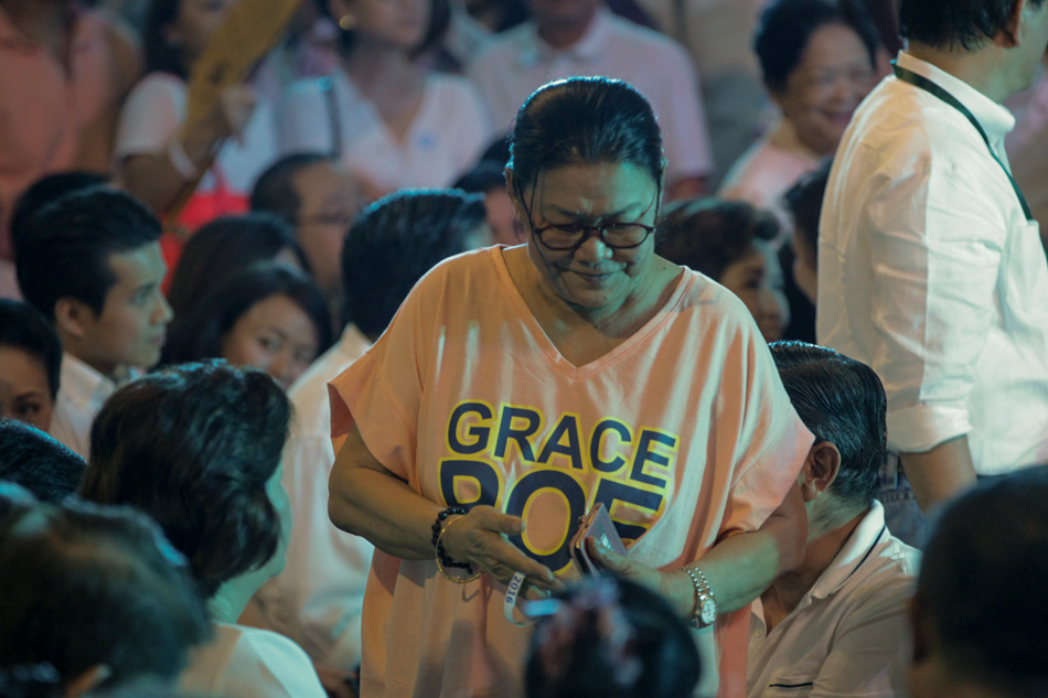 LOOK: Celebrities who support Grace, Chiz #10