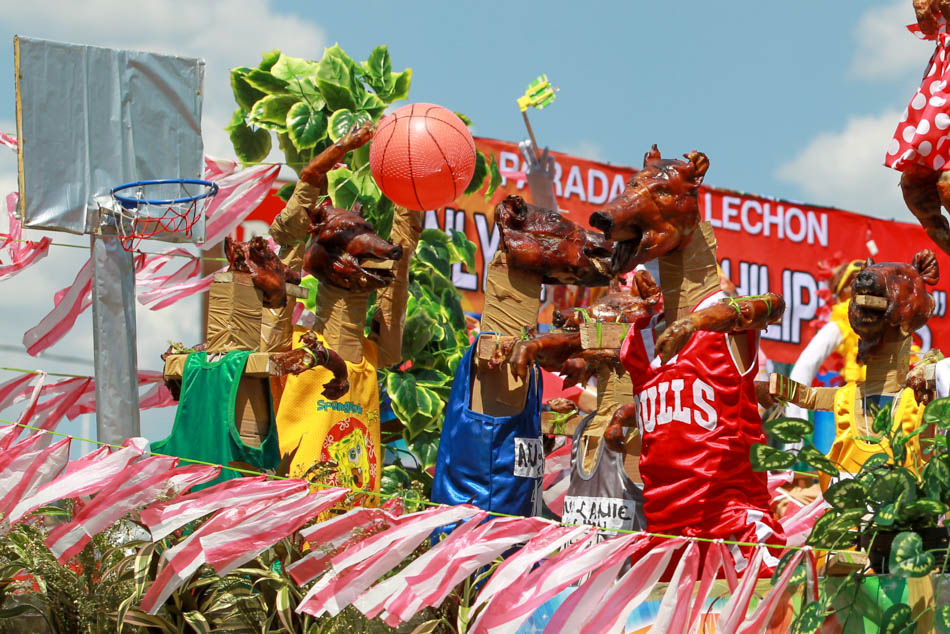 Look Lechon On Parade In La Loma Abs Cbn News
